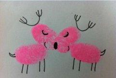 两只驯鹿的手指画怎么画 驯鹿的手印画法